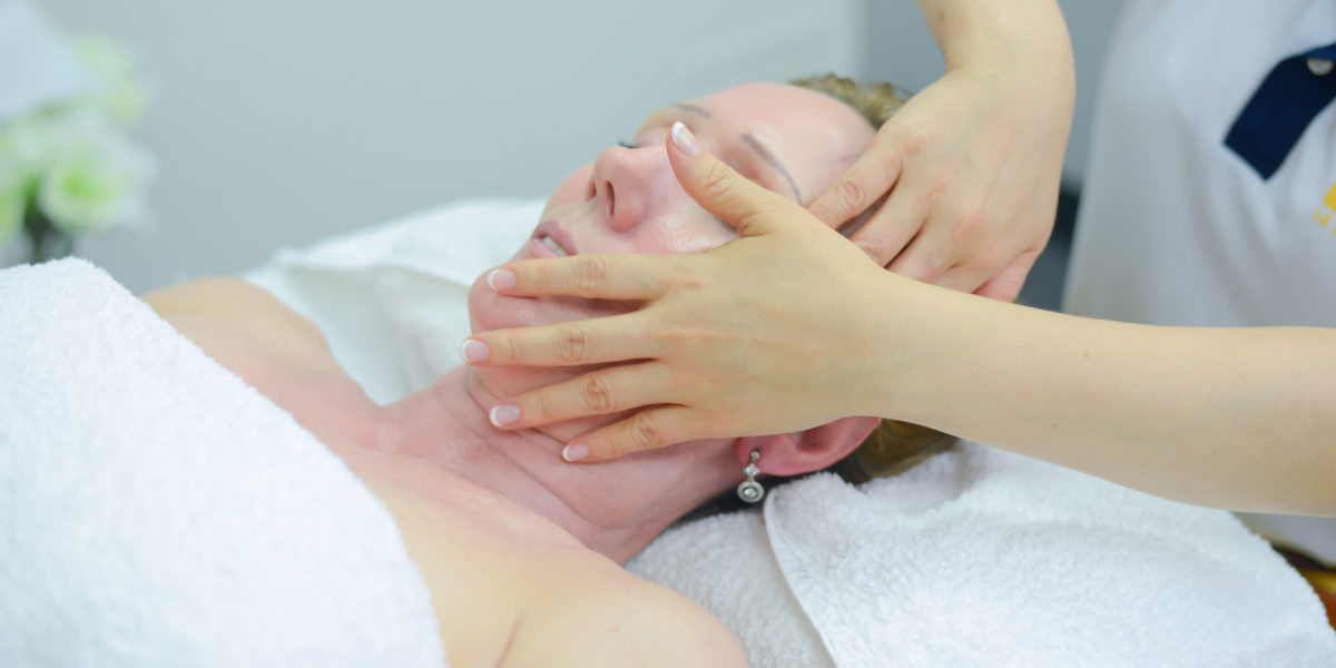 Facial Treatment At Le Spa Massage Academy