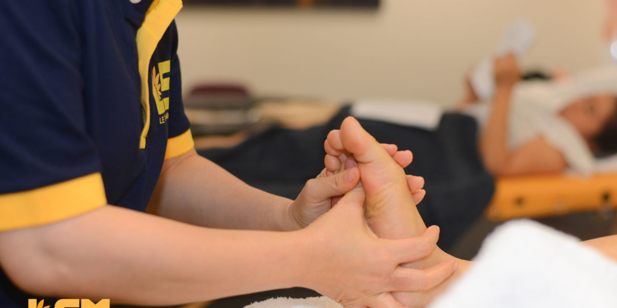 Foot Reflexology At Le Spa Massage Academy